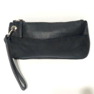 Old Navy Leather Wristlet in Black